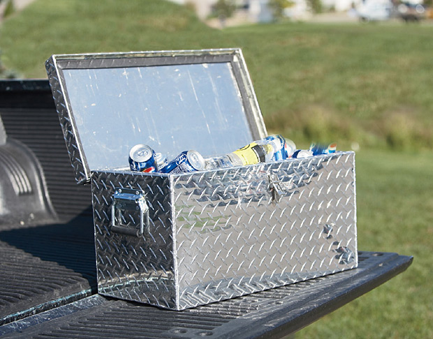 Aluminum Diamond Plate Ice Chest and Cooler at werd.com