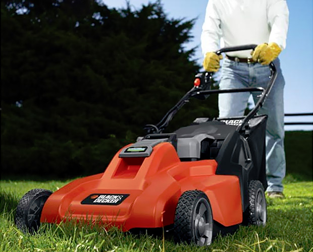 Black & Decker Rechargable Mulching Mower at werd.com