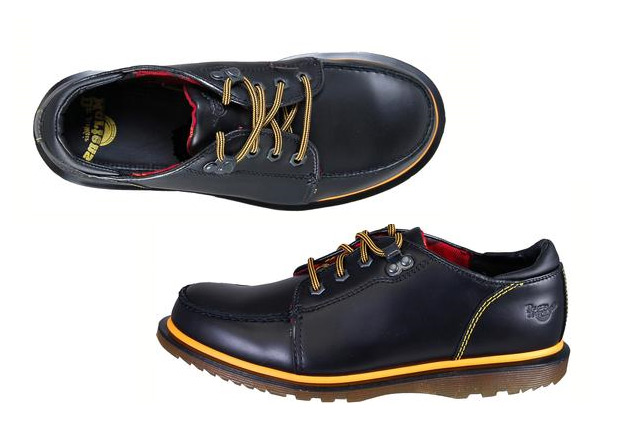 Dr. Martens Lewsey Black Whitney at werd.com