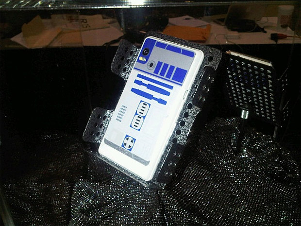 R2D2 Droid 2 Phone at werd.com