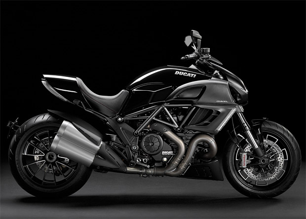 2011 Ducati Diavel at werd.com