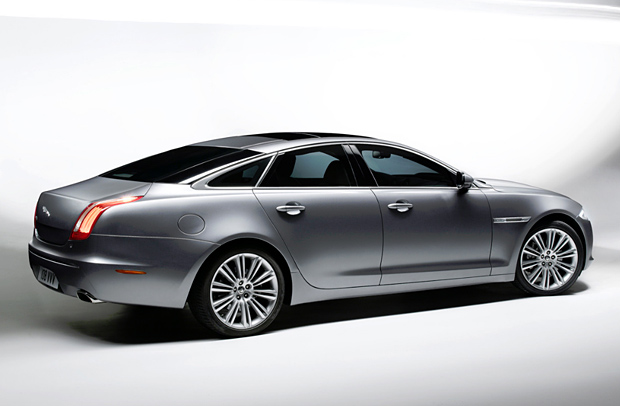 2010 Jaguar XJ at werd.com