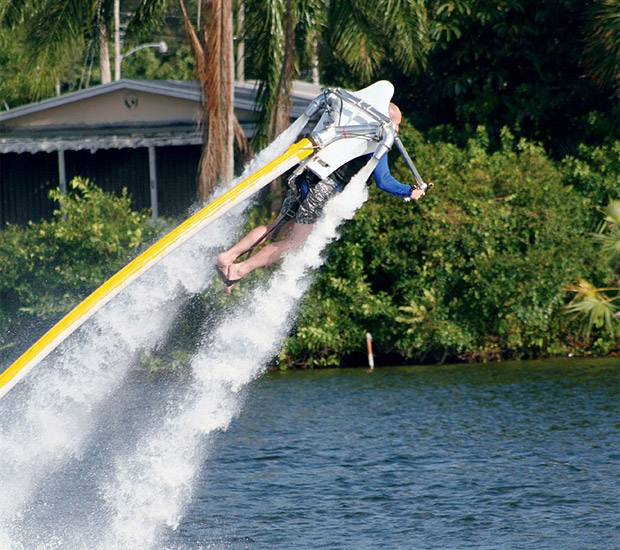 Jetlev R200 Flyer at werd.com