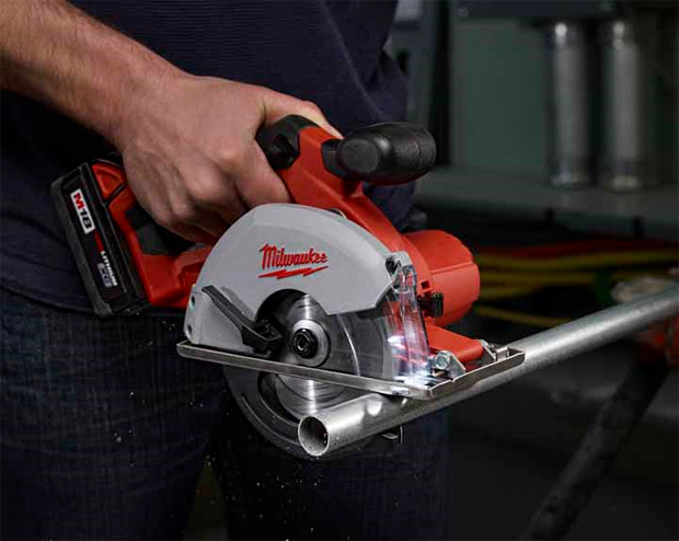 Milwaukee M18 Cordless Metal Saw at werd.com