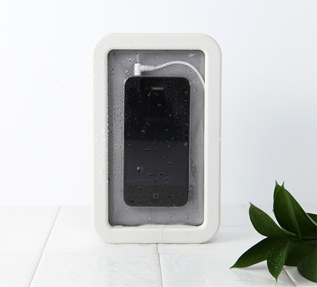 Muji Splash-proof Smartphone Speaker at werd.com