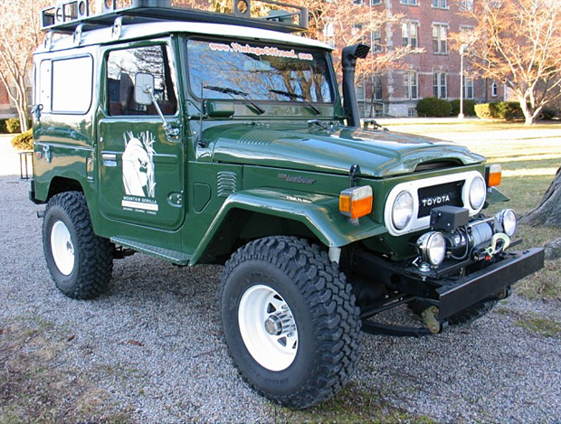 Vintage Land Rovers and Cruisers at werd.com