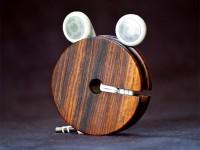 wood_earbud_holder